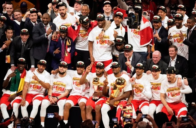 thumb_toronto-raptors-grabs-first-nba-title-from-warriors-fans-celebrate-throughout-canada-1560501953596_1024